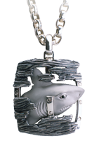 Magerit man necklace_lie_shark
